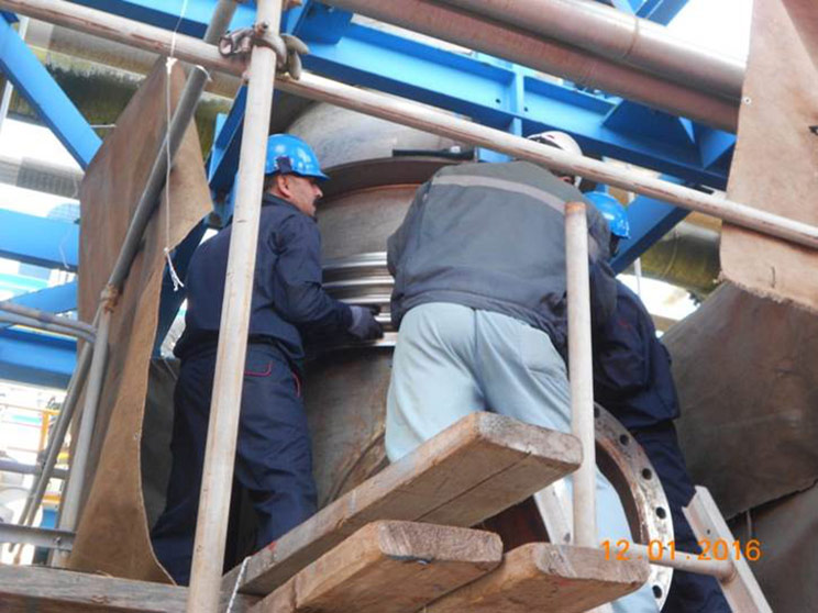 Installation of the clamshell bellows
