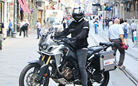 Ayvaz'ın Bölge Müdürü Almanya'daki Şirket Eğitimine Motosikletiyle Gidiyor